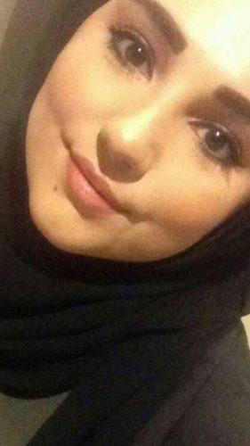 Alev-alev oral yapan kız Nazmiye