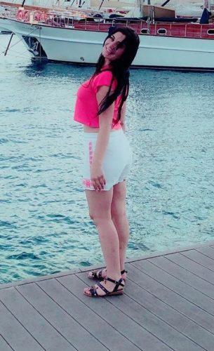Şımarık balık etli kız Celile